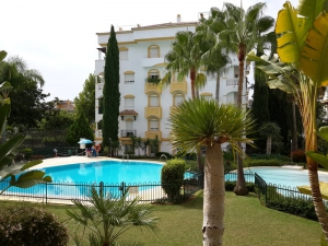3 Bed Apartment for sale in Marbella - €340,000