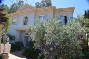 3 Bed Villa for sale in Malaga - €795,000