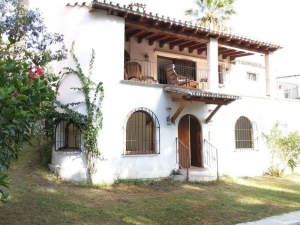 3 Bed Villa for sale in Marbella - €480,000