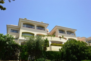 4 Bed Apartment for sale in Marbella - €950,000