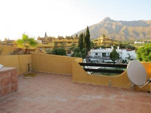 4 Bed Villa for sale in Marbella - €425,000