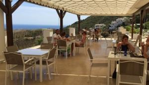 Hills Café