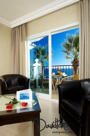 Hotels with beautiful views (El Oceano)