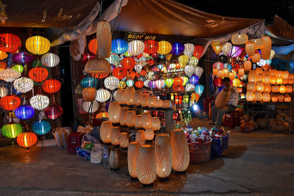 Two more central specialties, particularly in Hoi An, are lanterns and tailor-made clothes