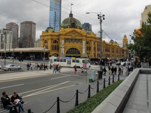 Flinders Station : Cold autumn day