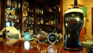 Chest O'Shea's Irish Pub