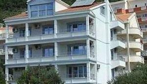 Medin Apartments Petrovac
