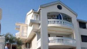 Sars Apartments