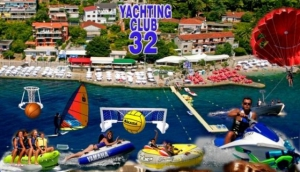 Yachting Club 32