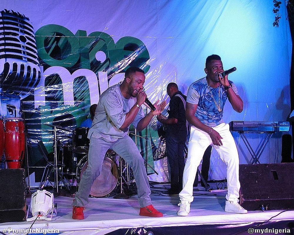 Iyanya & Baci on stage