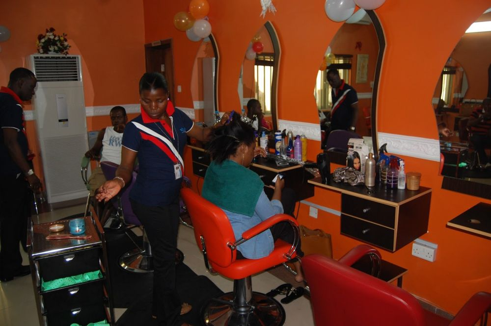 Studio 6 Salon and Spa
