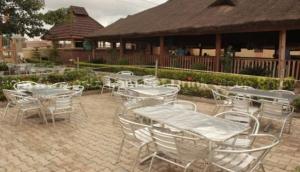 Baytown Lounge