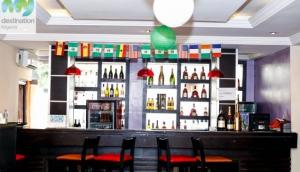 BukkaHut Lounge