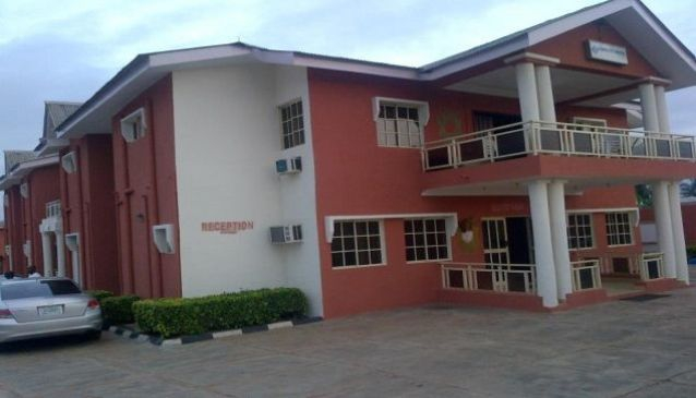 Limelite Hotel And Suites