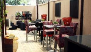 Rouge Royal Cafe