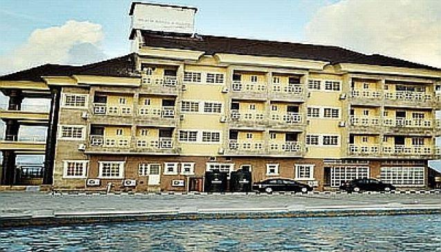 Vantage Beach Hotel