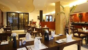 The Current restaurant