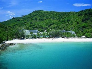 Le Meridien Phuket Beach Resort on Freedom Beach