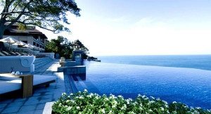 Swimming pool & the Andaman Sea. Can you tell the difference?