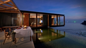 Intimate in villa dining in front of the private pool & the sea