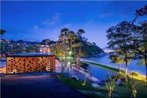 The Wiwa Wedding Chapel - stunning sunsets and healthy food & drink