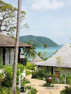 Walkway between villas @ The Vijitt Resort