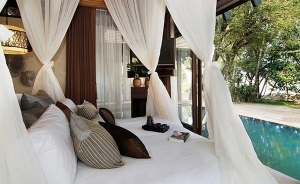Direct pool accesss from the bedroom in a villa
