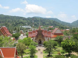 Birds eye view of wat Chalong and the grounds