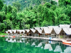 Bungalows on the lake at Khao Sok National Park