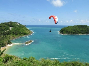 Paraglidiing over the Cape Phromthep/Nai Harn area