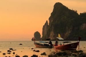 Sunset at Loh Dalum Bay, Koh Phi Phi Don