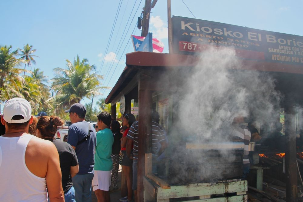 Waiting to order at Kiosko El Boricua (Photo: Sophie Gallagher)