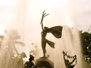 Raíces Fountain Paseo La Princesa