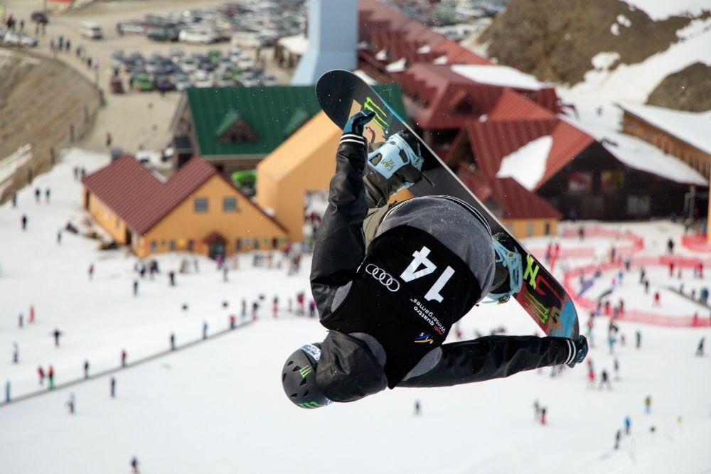 Snowboarding in Cardrona (Neville Porter)