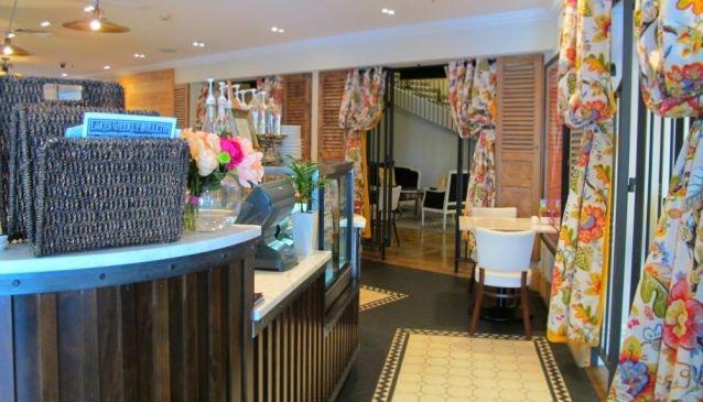 Left Bank Cafe at Sofitel Hotel