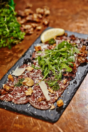 The delicious Carpaccio with lime and rucola at Uno Restaurant in Reykjavík, Iceland