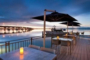 Halo Lounge & Dining