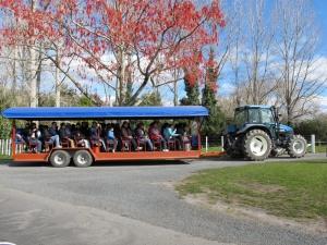 Agrodome Tour, Rotorua