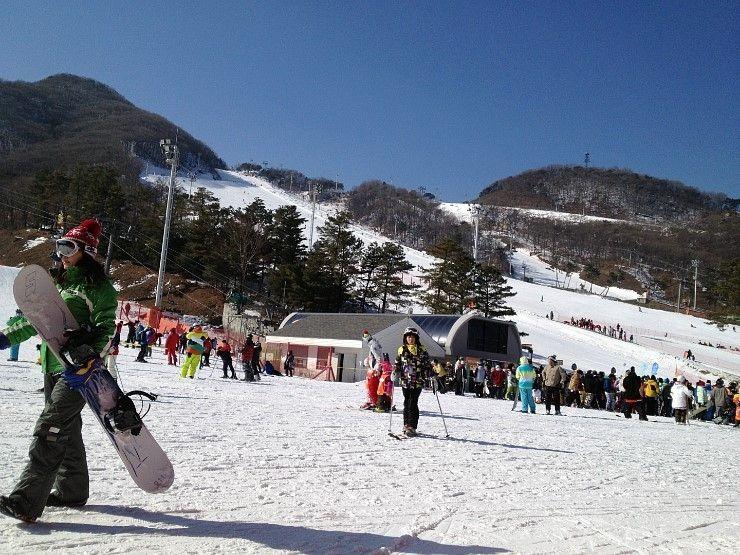 Lifts going up at Jisan