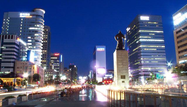 Admiral Yi Sun-sin, Gwanghwamun Square.