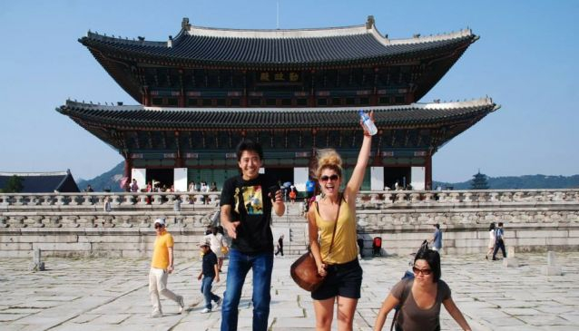 7. Go sightseeing with friends