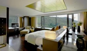 Premier Suite - Bedroom