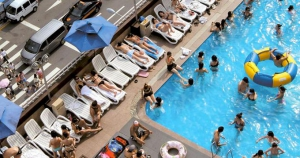 Hamilton Hotel Rooftop Pool