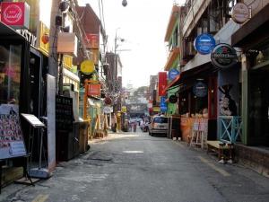 Alley behind Hamilton Hotel