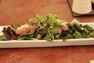 Grilled marinated rib-eye salad