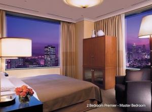 2 Bedroom Premier Master Bedroom