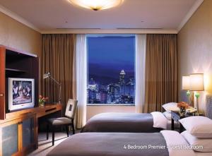 4 Bedroom Premier - Guest Bedroom