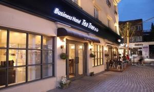 Tea Tree Hotel