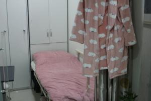 Patient resting room