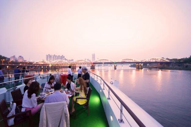 K-Pop Performance Hangang River Cruise, Seoul Events